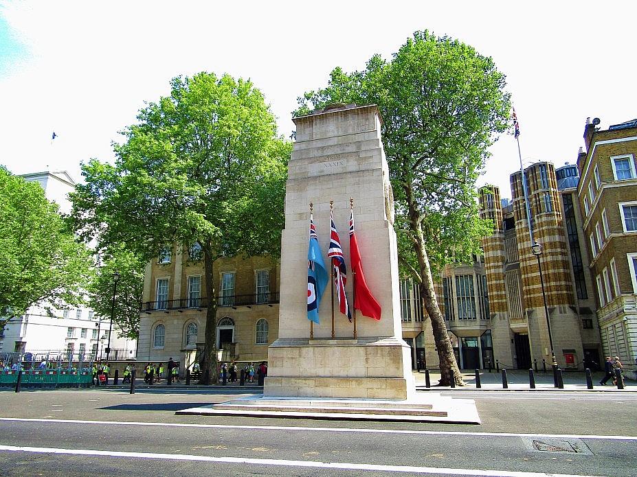 London 18 (159)