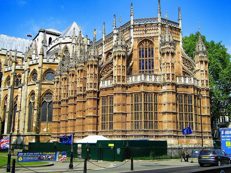 London 18 (184)