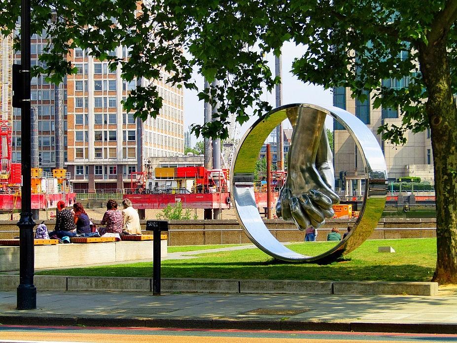 London 18 (201)