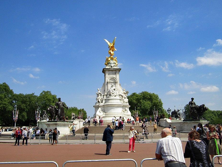 London 18 (41)