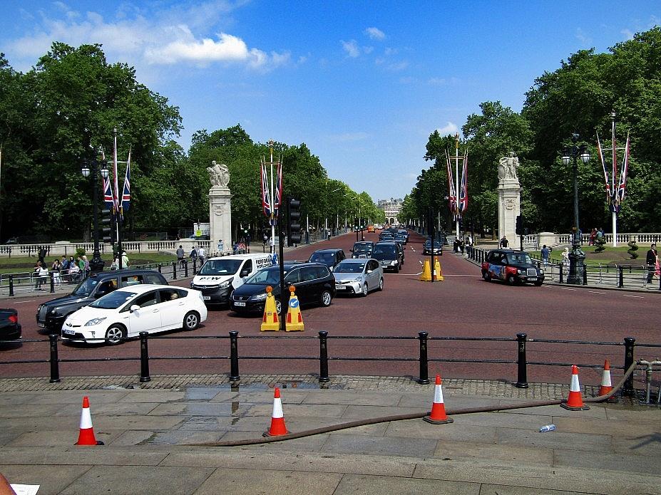 London 18 (42)