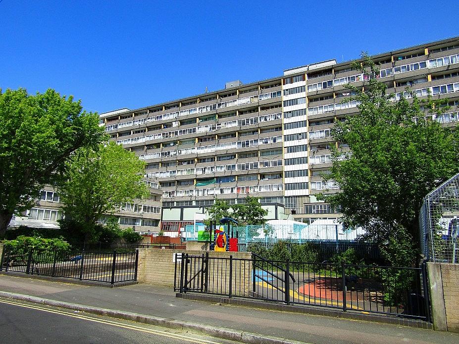 London 18 (79)
