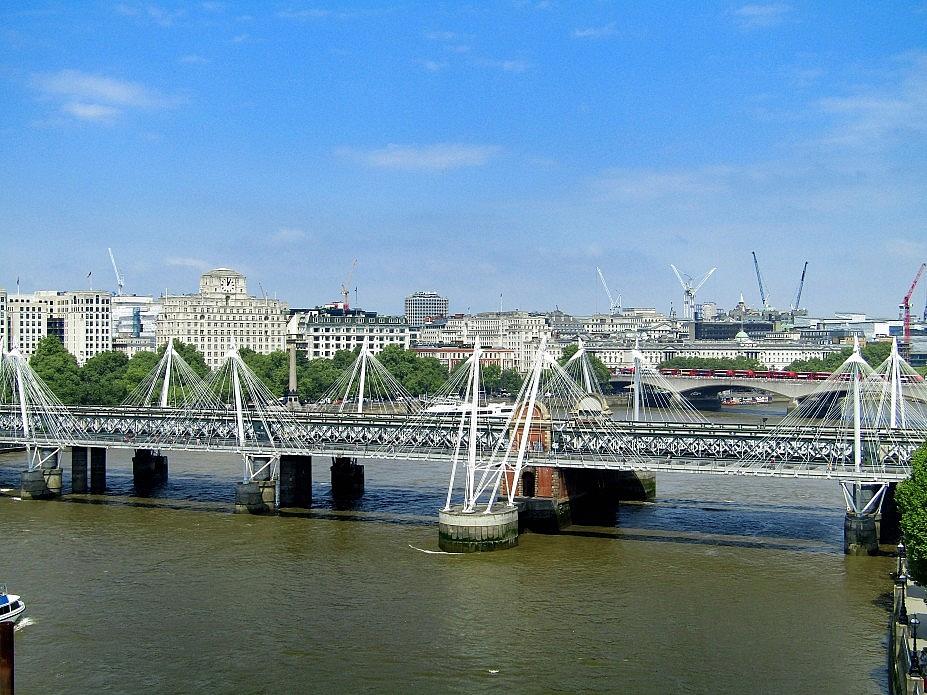 London 18 (9)