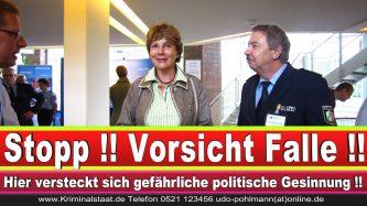 Polizeipräsidentin Katharina Giere Polizei Bielefeld NRW Erwin Südfeld Horst Kruse Polizeiuniform Polizeigewalt DEMONSTRATION Bahnhof (19) 1